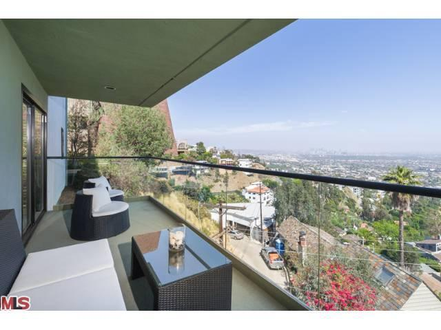 1618 Mountcrest Ave, West Hollywood, CA 90069