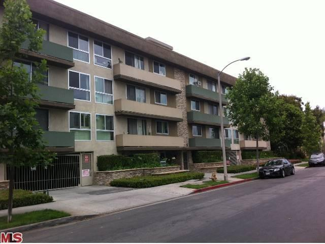 Rental Homes for Rent, ListingId:23615781, location: 525 SYCAMORE Avenue Los Angeles 90036