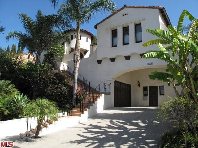 4243 Los Nietos Dr, Los Angeles, CA 90027