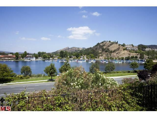 3658 Golden Leaf Dr, Westlake Village, CA 91361