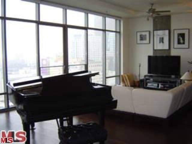 Rental Homes for Rent, ListingId:23682533, location: 1100 HOPE Street Los Angeles 90015