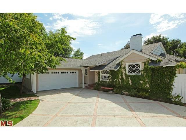 Rental Homes for Rent, ListingId:23694897, location: 2561 ROSCOMARE Road Los Angeles 90077
