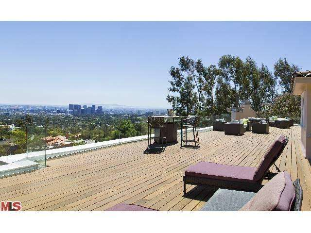 Rental Homes for Rent, ListingId:23694902, location: 1371 TOWER GROVE Drive Beverly Hills 90210