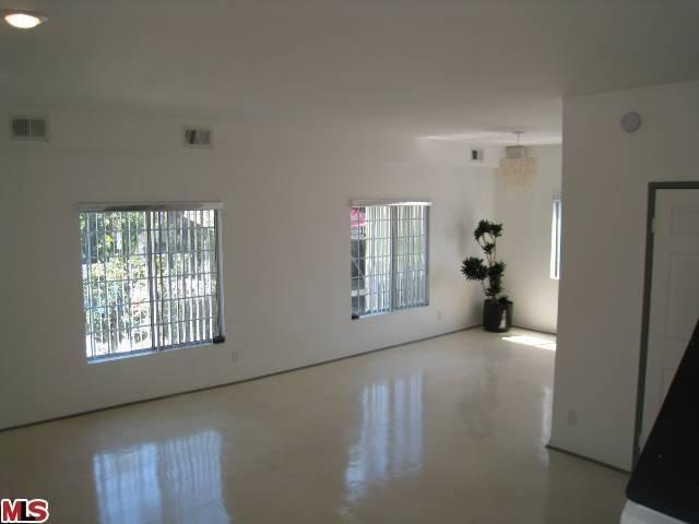 Rental Homes for Rent, ListingId:23715280, location: 713 SYCAMORE Avenue Los Angeles 90038