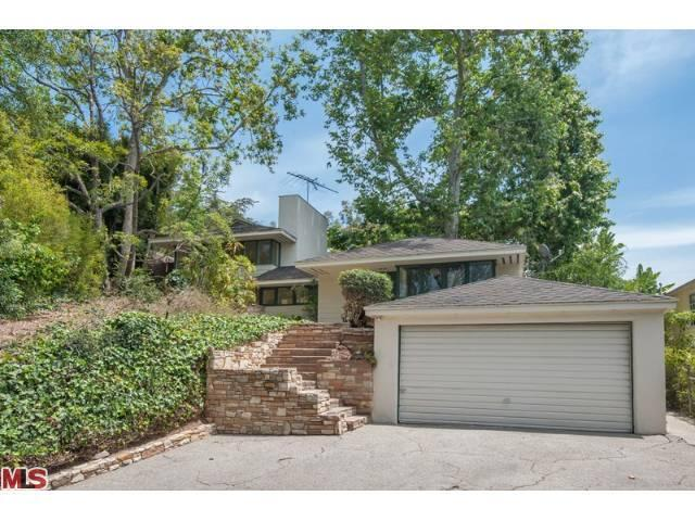 154 S Acari Dr, Los Angeles, CA 90049