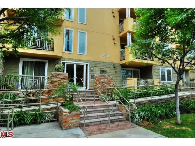 6038 Carlton Way # 302, Los Angeles, CA 90028