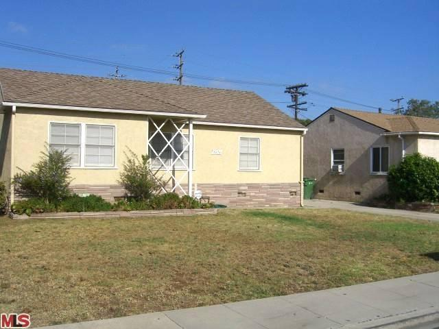 8624 Lilienthal Ave, Los Angeles, CA 90045
