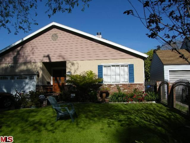 Rental Homes for Rent, ListingId:23905236, location: 4834 NOBLE Avenue Sherman Oaks 91403