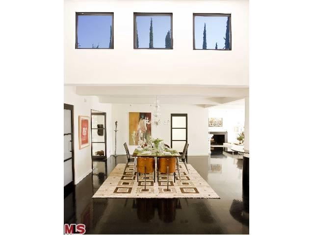 Rental Homes for Rent, ListingId:24153479, location: 2328 SAN YSIDRO Drive Beverly Hills 90210