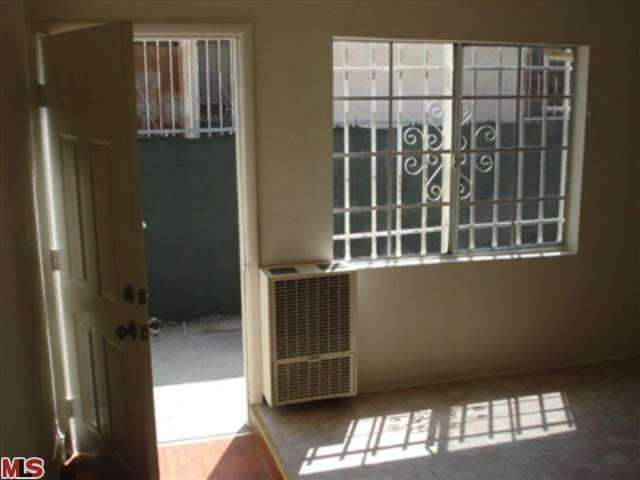 Rental Homes for Rent, ListingId:24840760, location: 716 54TH Street Los Angeles 90037