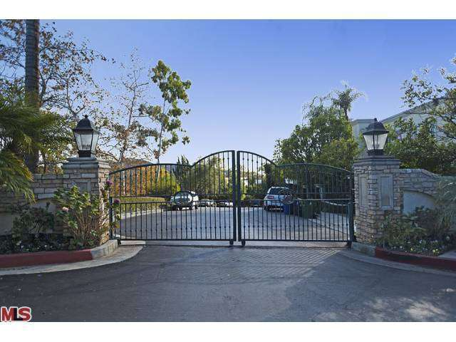 Rental Homes for Rent, ListingId:25023815, location: 2620 WALLINGFORD Drive Beverly Hills 90210