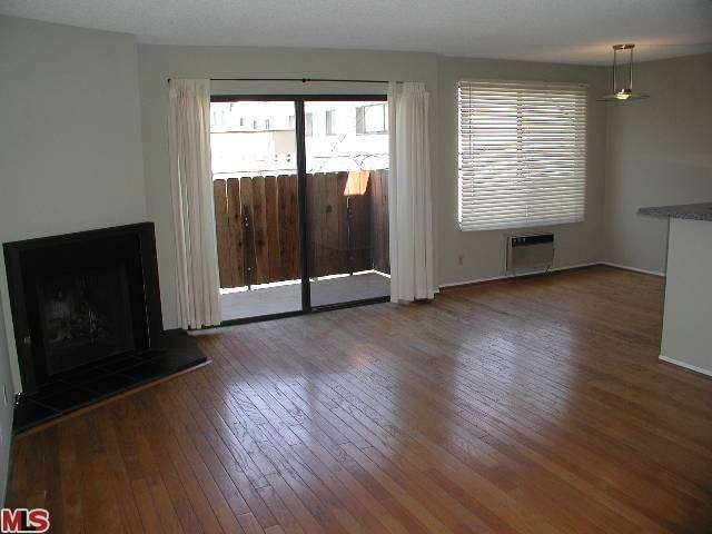 Rental Homes for Rent, ListingId:25306596, location: 11743 DARLINGTON Avenue Los Angeles 90049