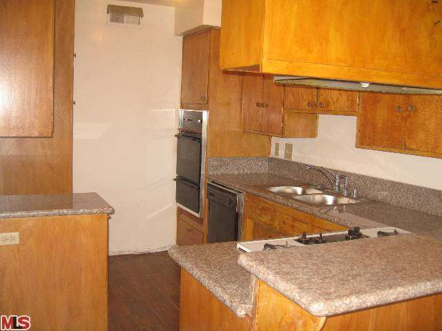 Rental Homes for Rent, ListingId:25375312, location: 3750 LOCKLAND Drive Los Angeles 90008