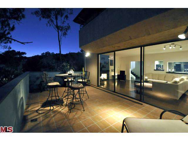 Rental Homes for Rent, ListingId:25676821, location: 6111 RODGERTON Drive Los Angeles 90068