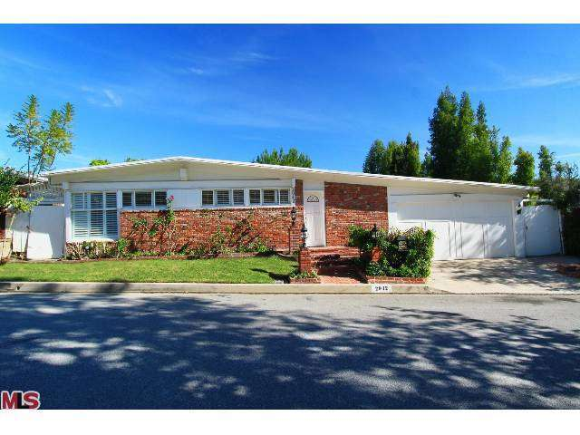 Rental Homes for Rent, ListingId:25829430, location: 2042 LINDA FLORA Drive Los Angeles 90077