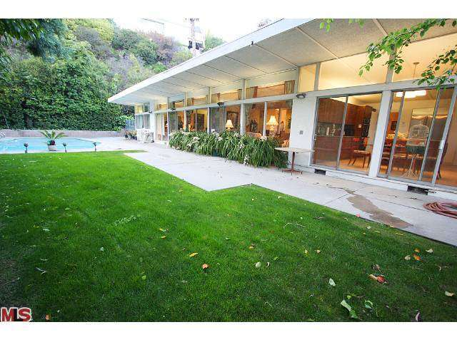 Rental Homes for Rent, ListingId:25943701, location: 2283 SAN YSIDRO Drive Beverly Hills 90210