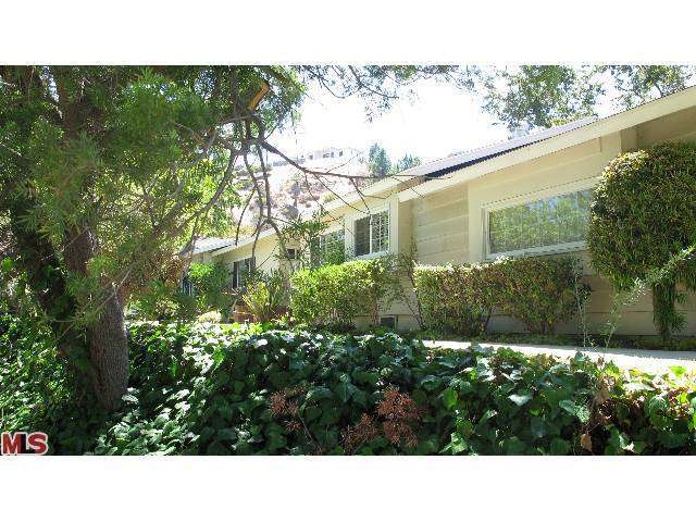 Rental Homes for Rent, ListingId:25956452, location: 16702 PAGEANT Place Encino 91436