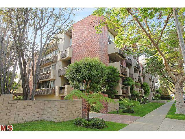 Rental Homes for Rent, ListingId:25956456, location: 141 LINDEN Drive Beverly Hills 90212