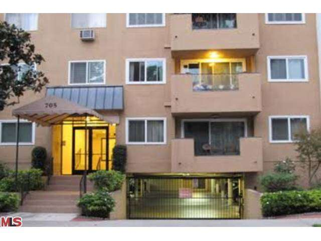 Rental Homes for Rent, ListingId:26057190, location: 705 WESTMOUNT Drive West Hollywood 90069