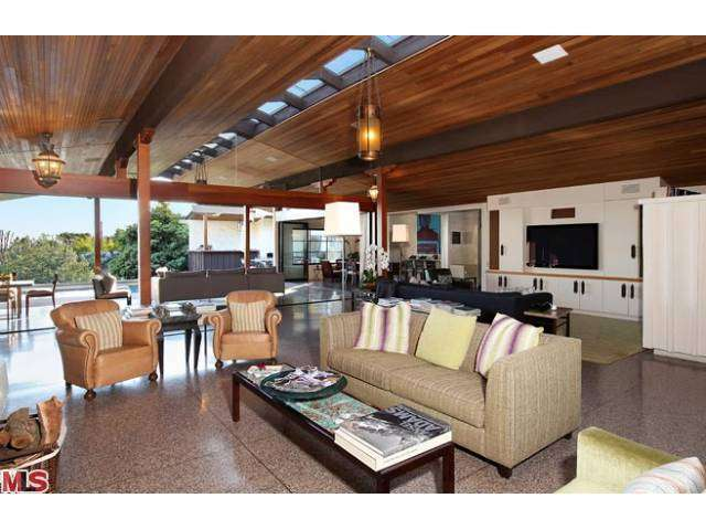 Rental Homes for Rent, ListingId:26106251, location: 1805 WESTRIDGE Road Los Angeles 90049