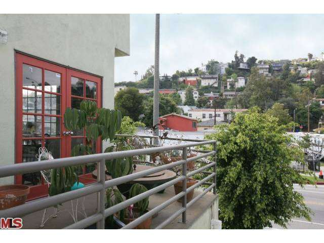 Rental Homes for Rent, ListingId:26189318, location: 1764 SILVER LAKE Los Angeles 90026