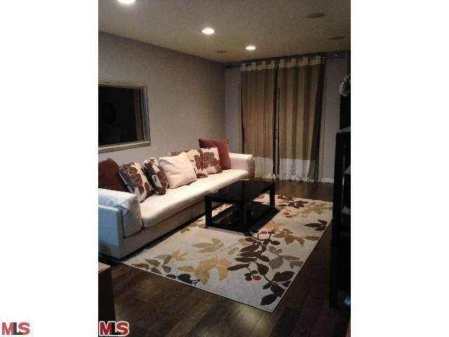 Rental Homes for Rent, ListingId:26198503, location: 141 CLARK Drive West Hollywood 90048