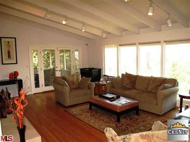 Rental Homes for Rent, ListingId:26208350, location: 4124 WITZEL Drive Sherman Oaks 91423