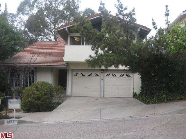 Rental Homes for Rent, ListingId:26585542, location: 2927 WOODWARDIA Drive Los Angeles 90077