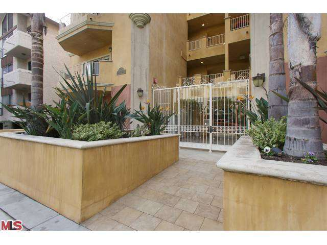 Rental Homes for Rent, ListingId:26608547, location: 1511 CAMDEN Avenue Los Angeles 90025