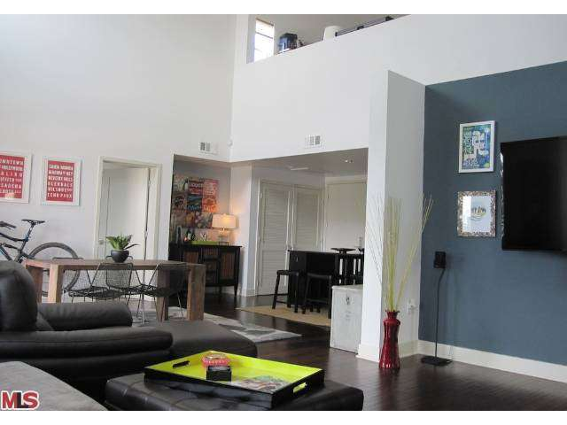 Rental Homes for Rent, ListingId:26777173, location: 4211 REDWOOD Avenue Los Angeles 90066