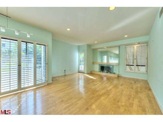 Rental Homes for Rent, ListingId:26935993, location: 11733 MONTANA Avenue Los Angeles 90049