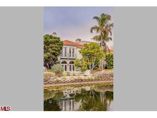 Rental Homes for Rent, ListingId:26940790, location: 409 HOWLAND CANAL Venice 90291