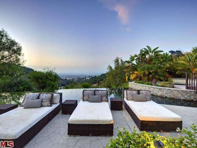Rental Homes for Rent, ListingId:27027828, location: 13947 DURHAM Road Beverly Hills 90210