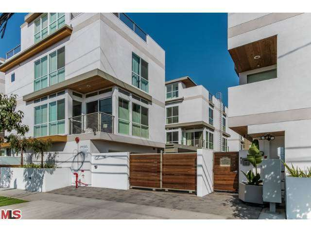 Rental Homes for Rent, ListingId:27019639, location: 1215 GARBO Lane Los Angeles 90038