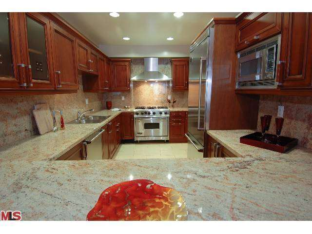 Rental Homes for Rent, ListingId:27053800, location: 11848 KIOWA Avenue Los Angeles 90049
