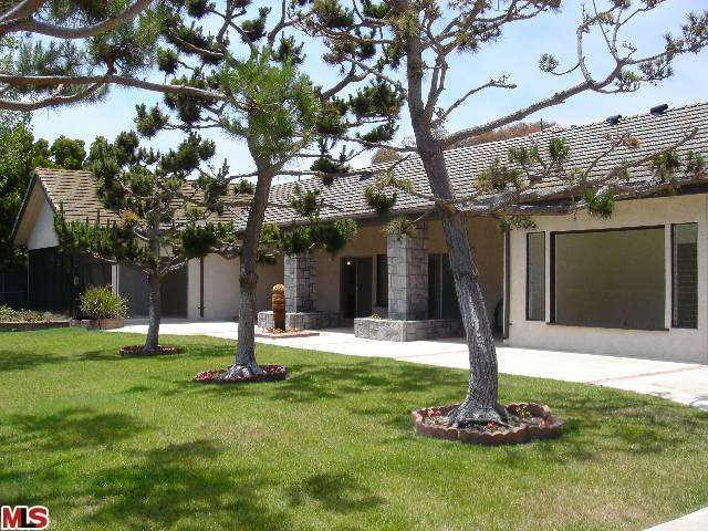 Rental Homes for Rent, ListingId:27120586, location: 29215 CLIFFSIDE Drive Malibu 90265