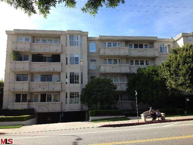 Rental Homes for Rent, ListingId:27227108, location: 575 BARRINGTON Avenue Los Angeles 90049