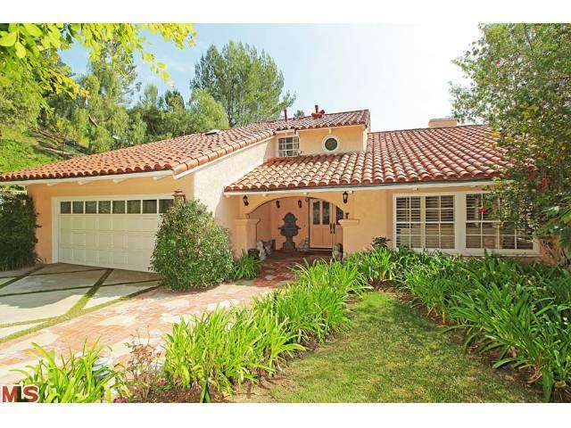 Rental Homes for Rent, ListingId:27227153, location: 9624 WENDOVER Drive Beverly Hills 90210