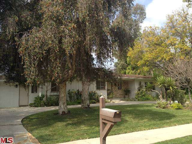 Rental Homes for Rent, ListingId:27348013, location: 4231 HAYVENHURST Drive Encino 91436