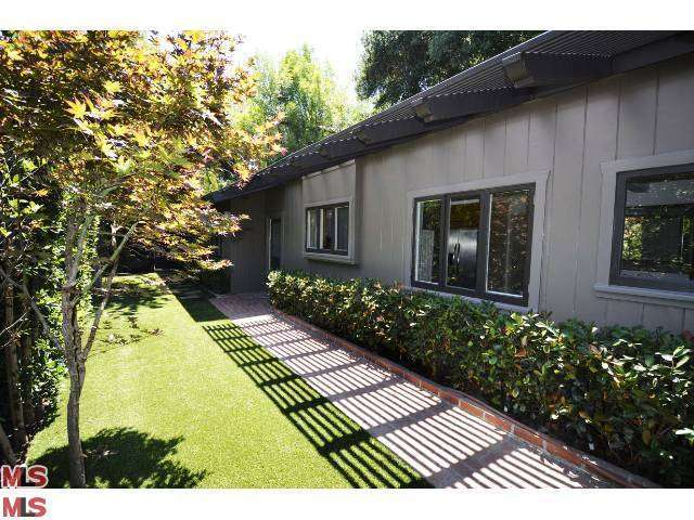 Rental Homes for Rent, ListingId:27449243, location: 2559 HUTTON Drive Beverly Hills 90210