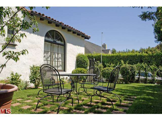 Rental Homes for Rent, ListingId:27546279, location: 830 GARDNER Street Los Angeles 90046