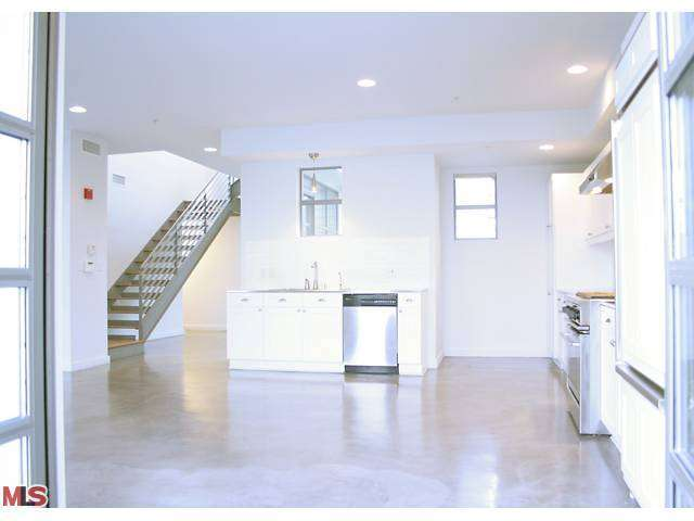 Rental Homes for Rent, ListingId:27595313, location: 1358 4TH STREET Santa Monica 90401