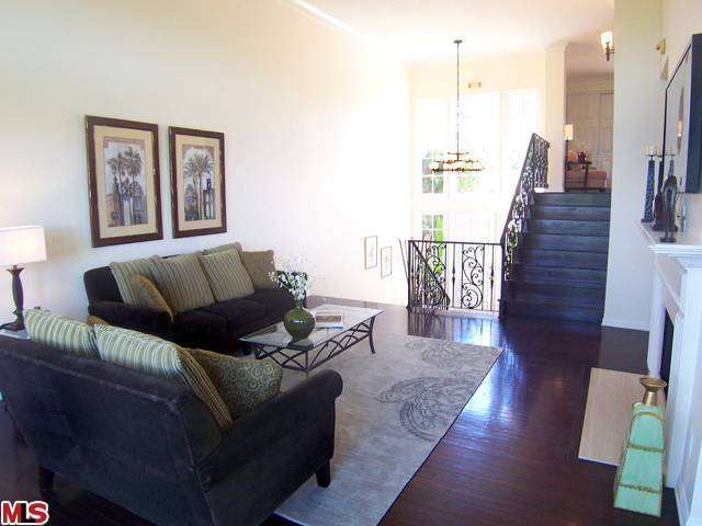 Rental Homes for Rent, ListingId:27595289, location: 2222 THE TERRACE Los Angeles 90049