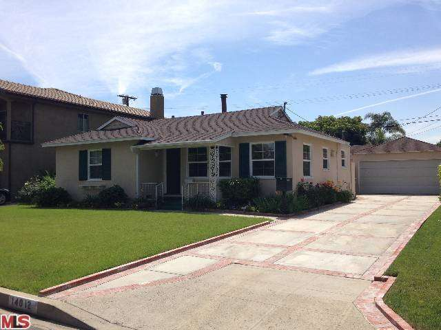 Rental Homes for Rent, ListingId:27646635, location: 14012 MORRISON Street Sherman Oaks 91423