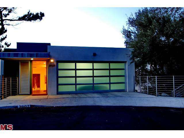 Rental Homes for Rent, ListingId:27669386, location: 3907 VERDUGO VIEW Drive Los Angeles 90065