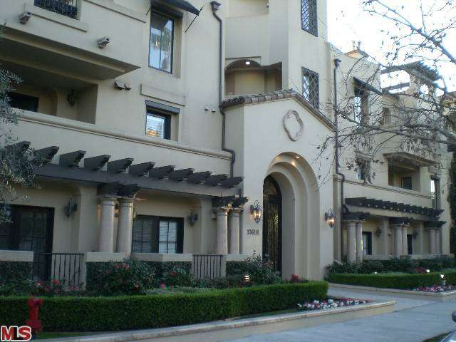 Rental Homes for Rent, ListingId:27707215, location: 10618 WOODBRIDGE Street Toluca Lake 91602