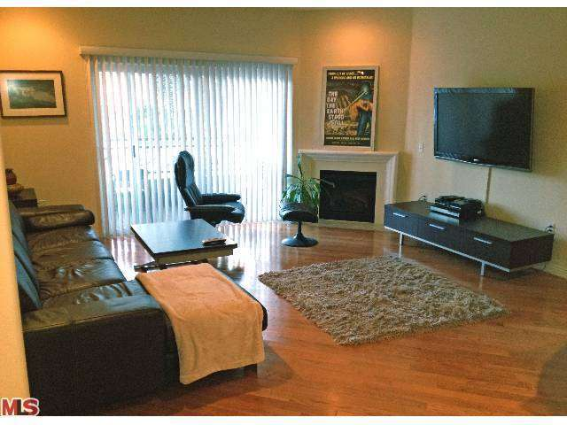 Rental Homes for Rent, ListingId:27707206, location: 5703 LAUREL CANYON BLVD North Hollywood 91607