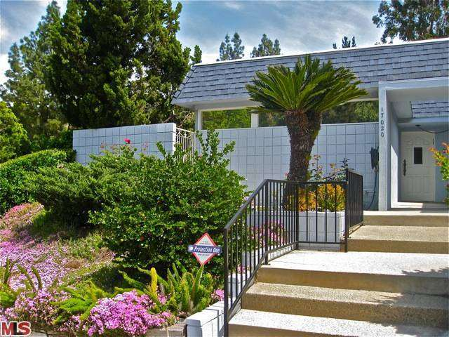 Rental Homes for Rent, ListingId:27743926, location: 17020 ESCALON Drive Encino 91436