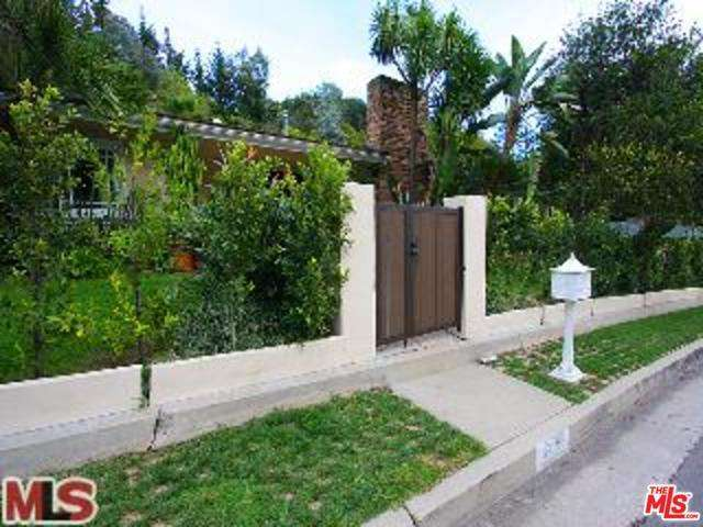 Rental Homes for Rent, ListingId:28230789, location: 1400 ROSCOMARE Road Los Angeles 90077