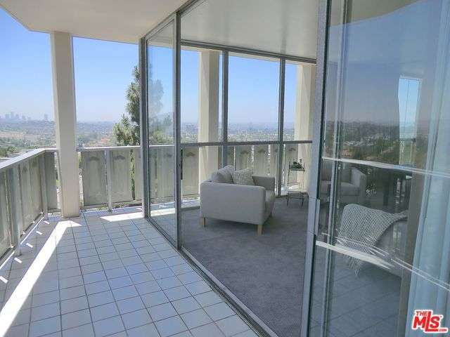 Rental Homes for Rent, ListingId:28430546, location: 4411 LOS FELIZ Los Angeles 90027